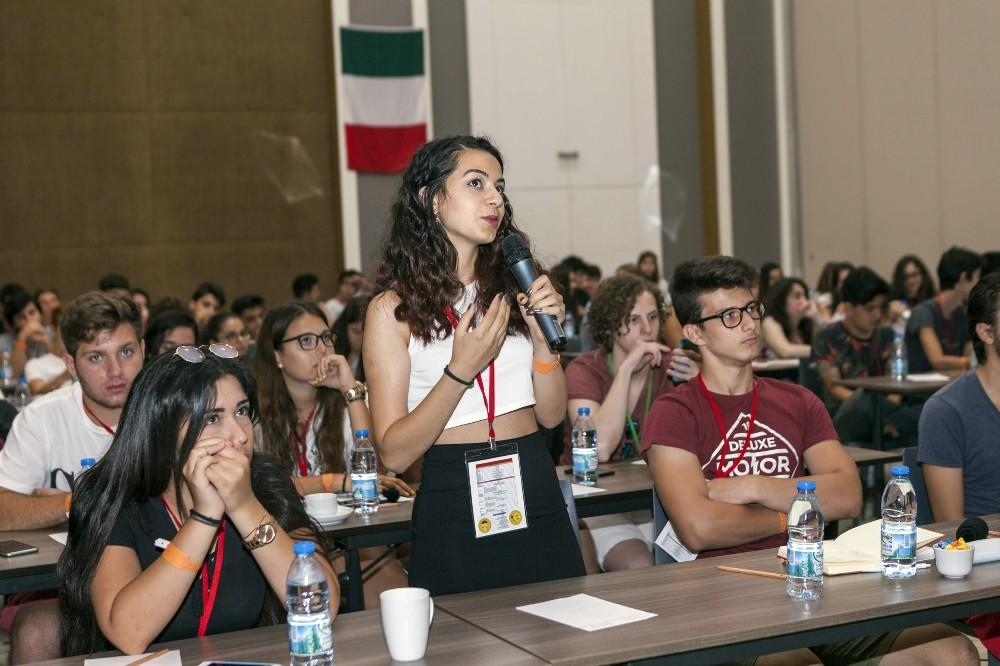 Öğrenciler Antalya'da kamptaydı