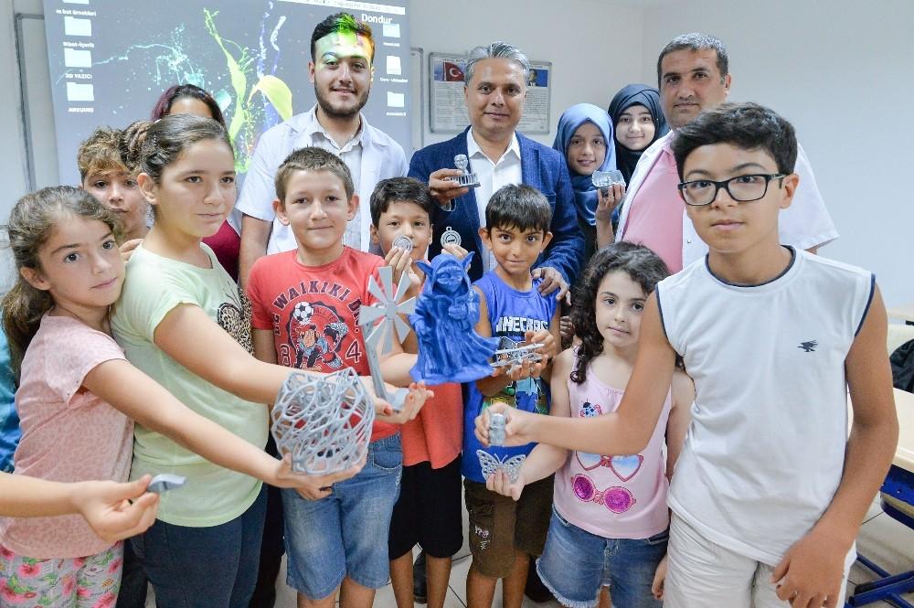 Uysal, Zeytinköy Bilim ve Eğitim Merkezi'nde