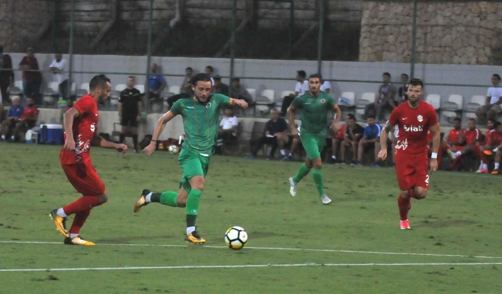 Alanyaspor hazırlık maçında Antalyaspor'u mağlup etti