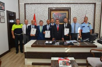 """Antalya'da """"Ayın Polisleri"""" ödüllendirildi"""
