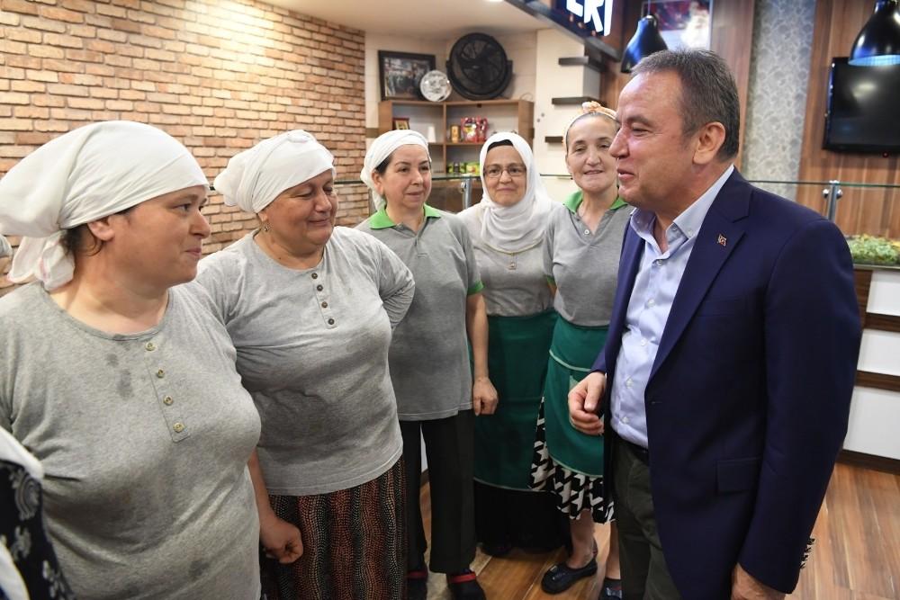 Başkan Böcek'ten fındık üreticisine destek