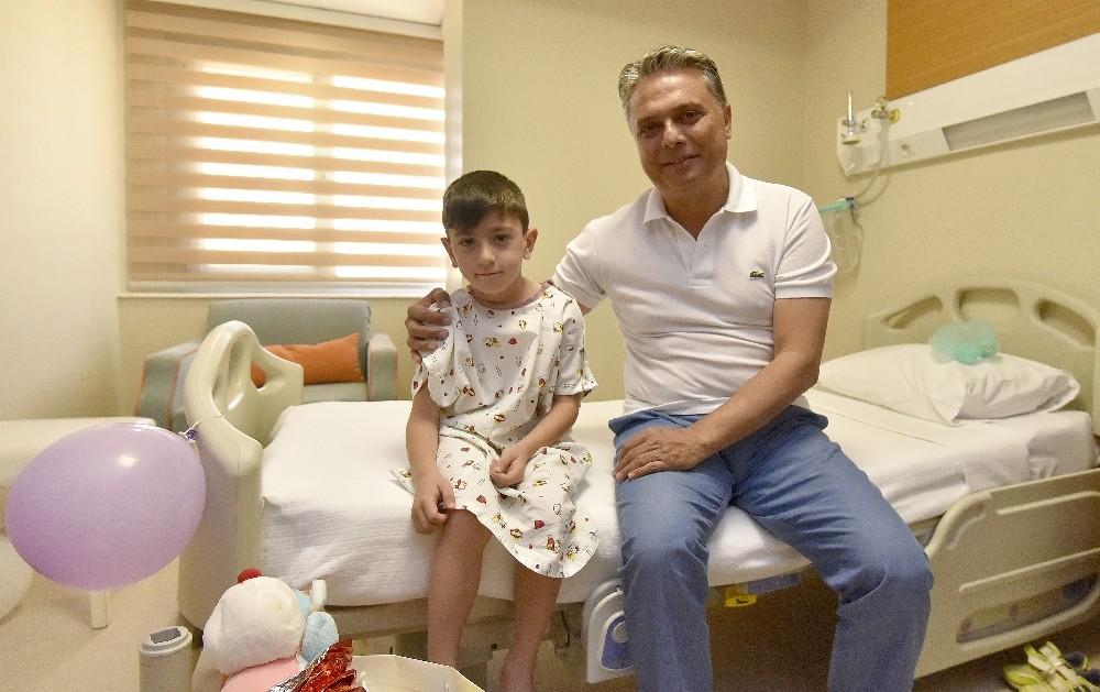 Başkan Uysal'dan sünnet çocuklarına ziyaret