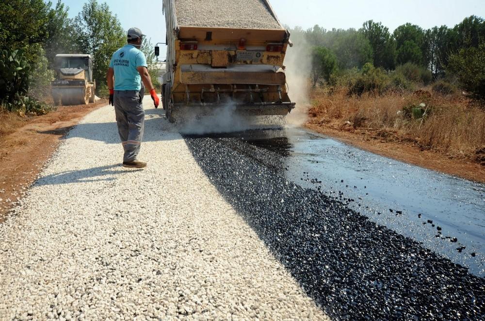 Kepez'de asfaltlama çalışması