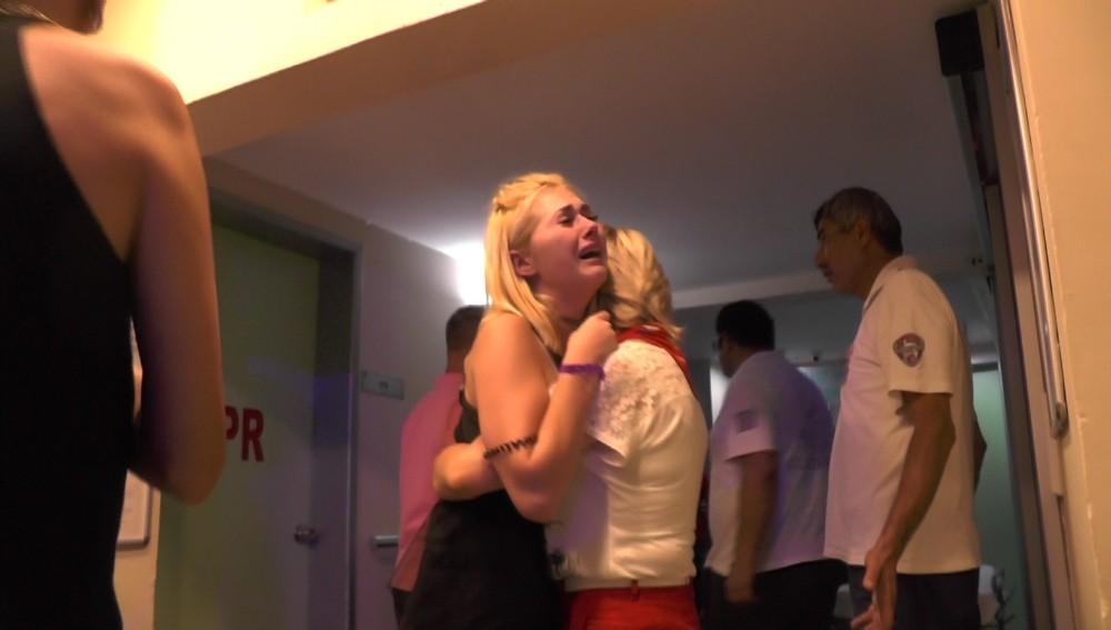 Kocası ölümden dönen Ukraynalı turist gözyaşlarına boğuldu