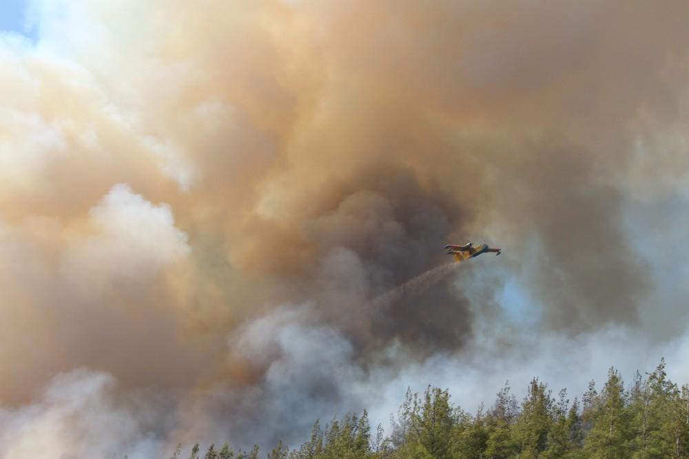 Kumluca'daki yangın kuzeybatı yönüne ilerliyor