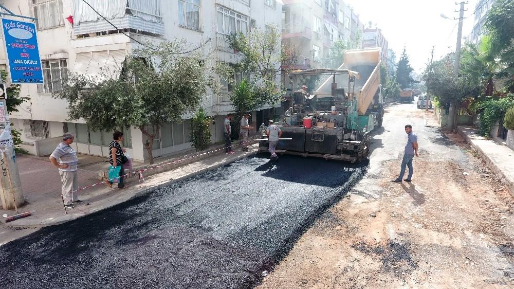 Memurevleri Mahallesi'ne 21 yıl sonra yeniden asfalt
