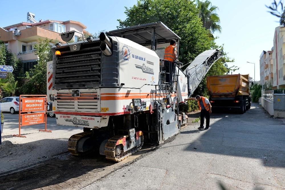 Muratpaşa Belediyesi Çağlayan'da yenileme çalışması başlattı