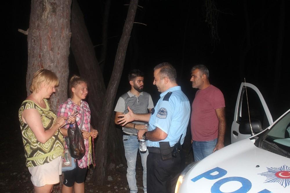 Ormanda kaybolan Rus anne ve kızı 8 saat sonra bulunabildi