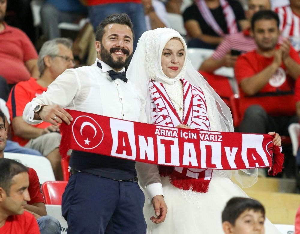 Süper Lig: Antalyaspor: 2 – Osmanlıspor: 0 (İlk yarı)