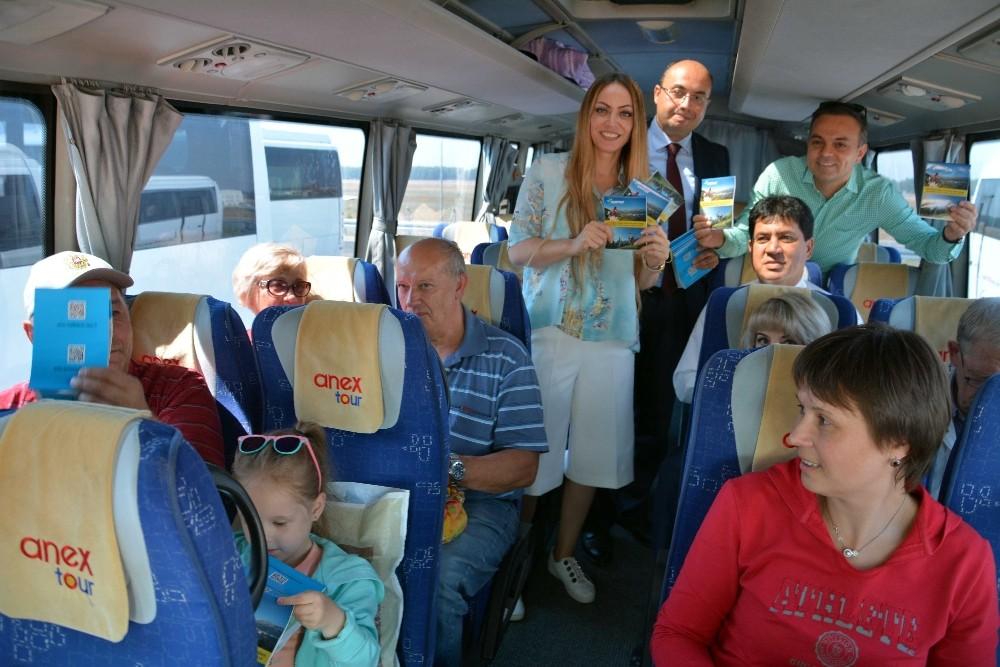 Turistlere sürpriz karşılama