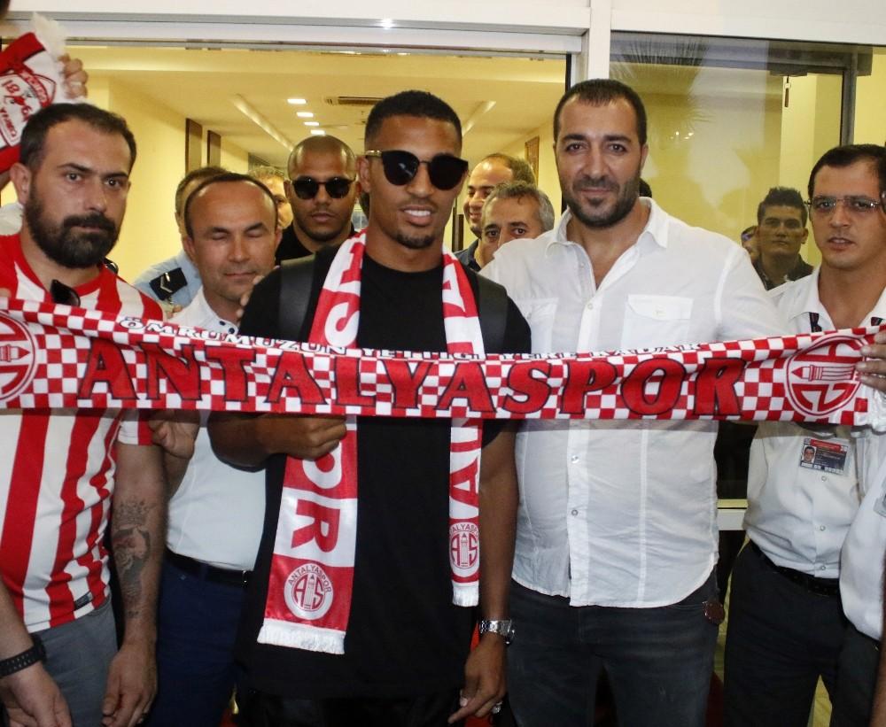 William Vainqueur, Antalya'ya geldi