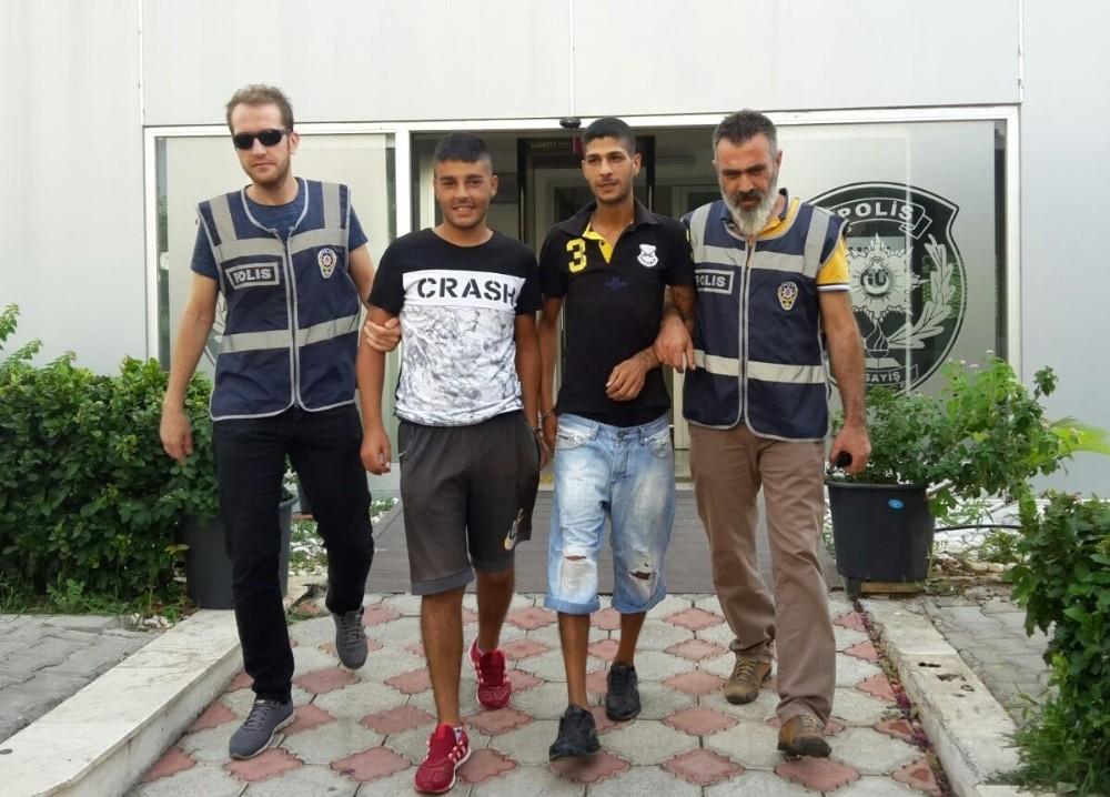 Zincir market hırsızları yakalandı