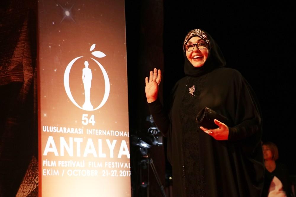 54. Uluslararası Antalya Film Festivali kırmızı halı geçişiyle başladı