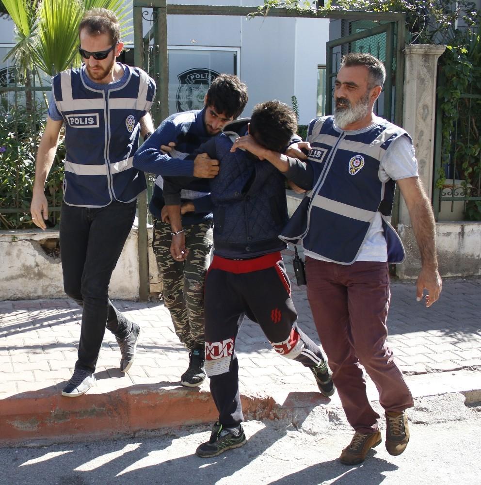 Akü hırsızı kardeşler polisten kaçamadı