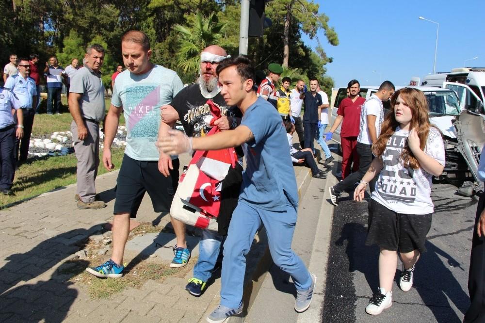 Alman turistlerin kazasında mavi ve kırmızı şeritli ambulans tartışması