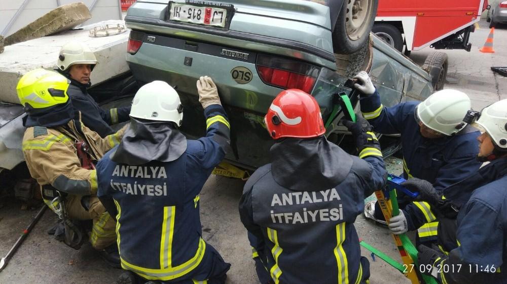 Antalya itfaiyesi Slovenya'da yangınlara müdahale etti