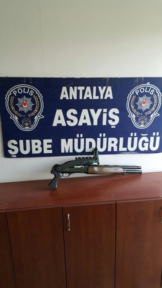 Antalya'da hırsızlık operasyonu: 3 gözaltı