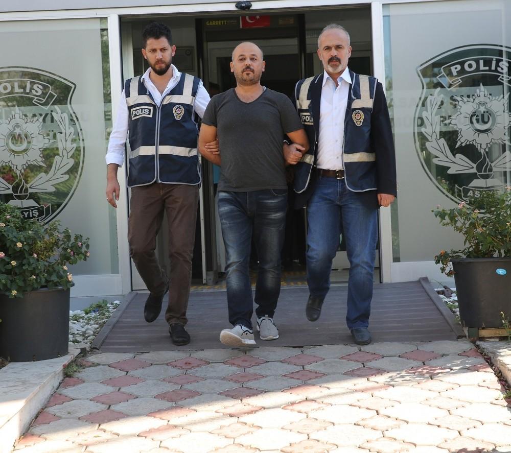 Antalya'da 'papağan' şebekesi çökertildi