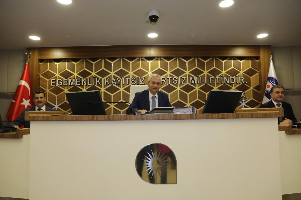Belediye meclisinde ticaret alanı düzenlemesi tartışması