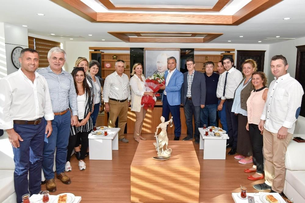 Dokuz Eylüllülerden Başkan Uysal'a ziyaret