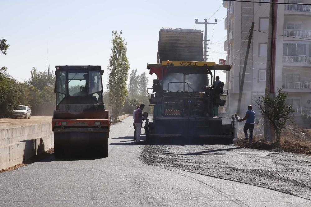 Döşemealtı'nda asfalt çalışması