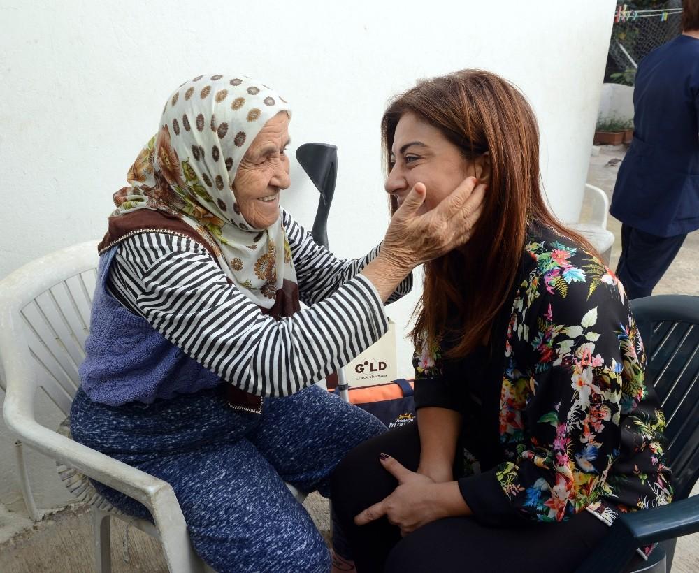 Ebru Türel, yardım ziyaretlerine devam ediyor