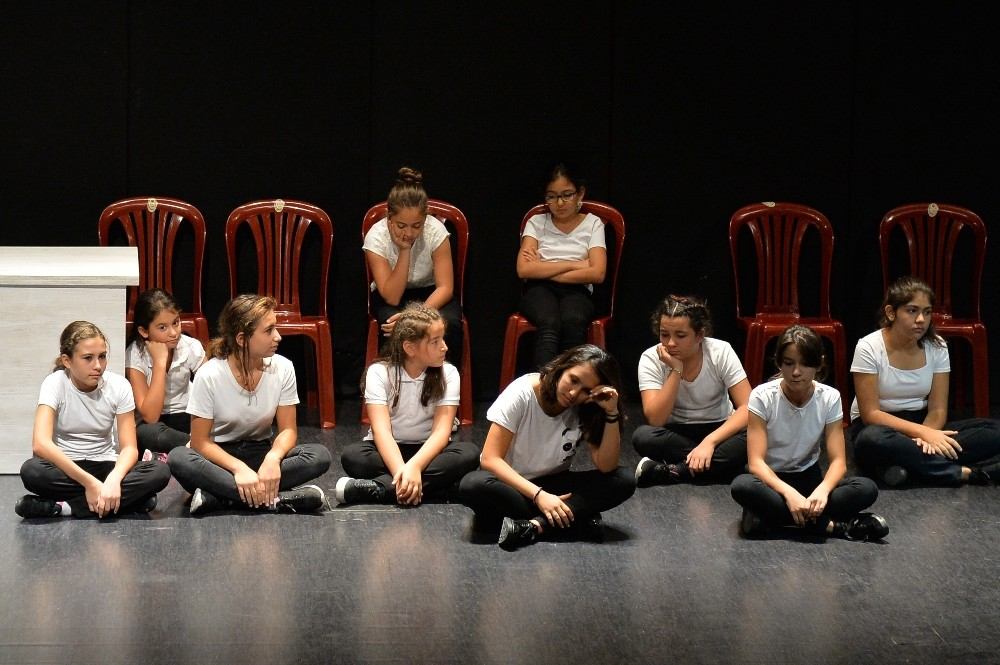 Ermenek'in tiyatrocu çocukları