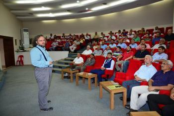 İmamlara cami şehir ve medeniyet konferansı verildi