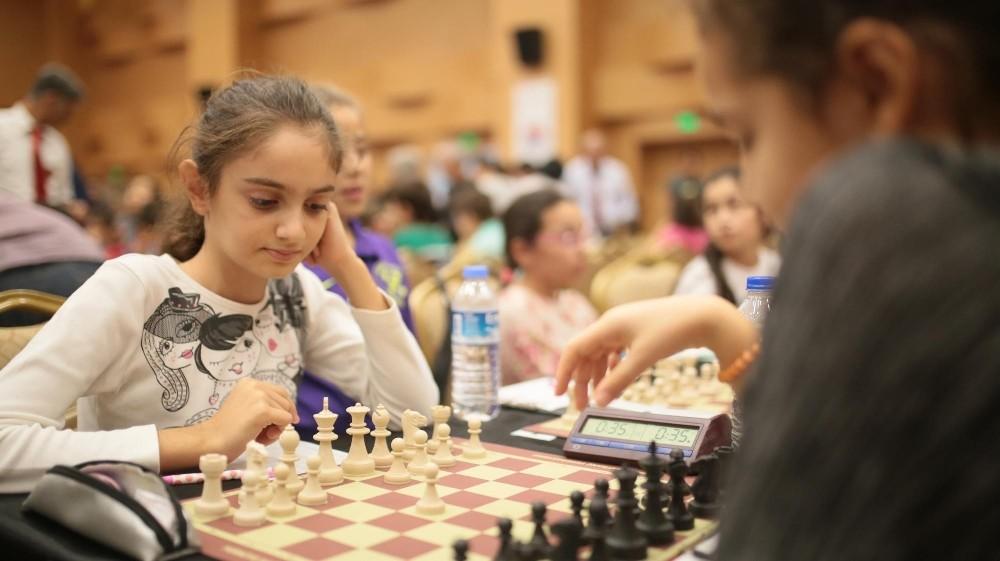 Kepez'in ödüllü satranç turnuvası sona erdi
