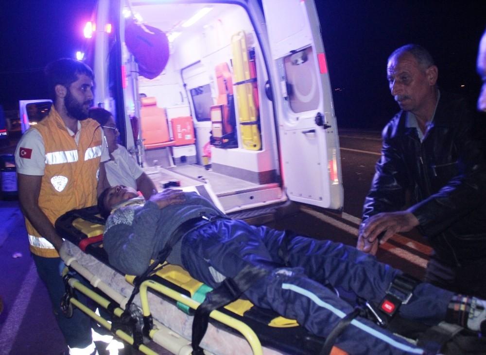 Manavgat'ta asker konvoyunda kaza: 1 yaralı