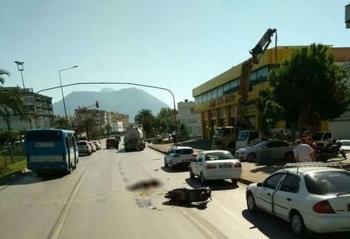 Yakıt tankeri ile elektrikli motosiklet çarpıştı: 1 ölü