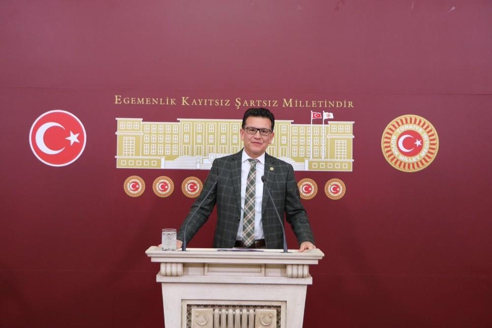 AK Partili Uslu: Türkiye'nin sığınmacılar konusunda tarihi bir görev üstlendi