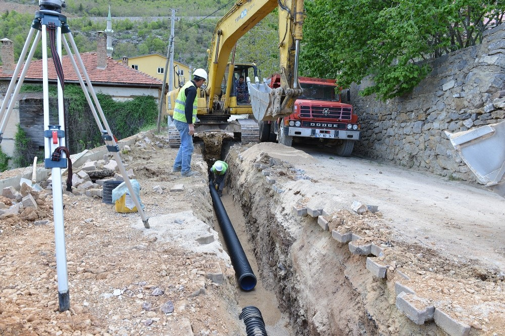 Akseki Bademli ve Güçlüköy'e kanalizasyon ağı