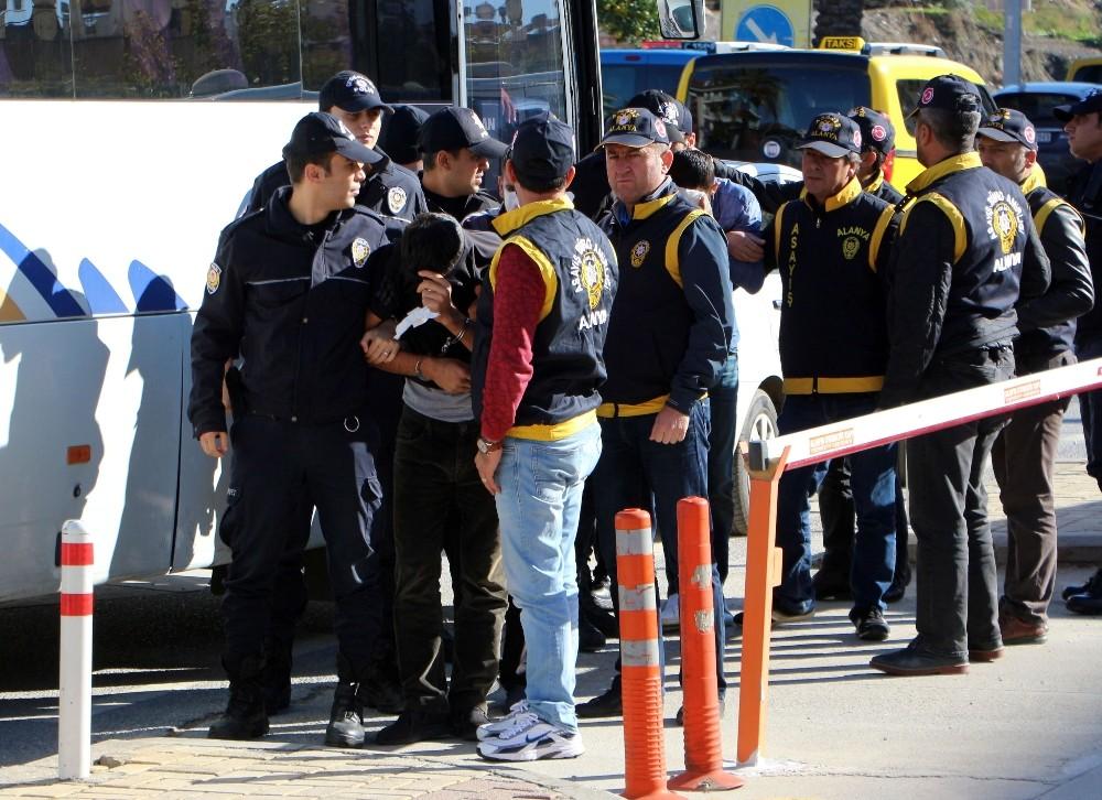 Alanya'da 8 kişilik hırsızlık çetesi çökertildi