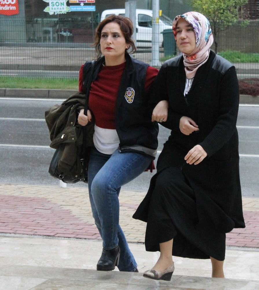 Alanya'da FETÖ'den aranan kadın öğretmen Balıkesir'de yakalandı