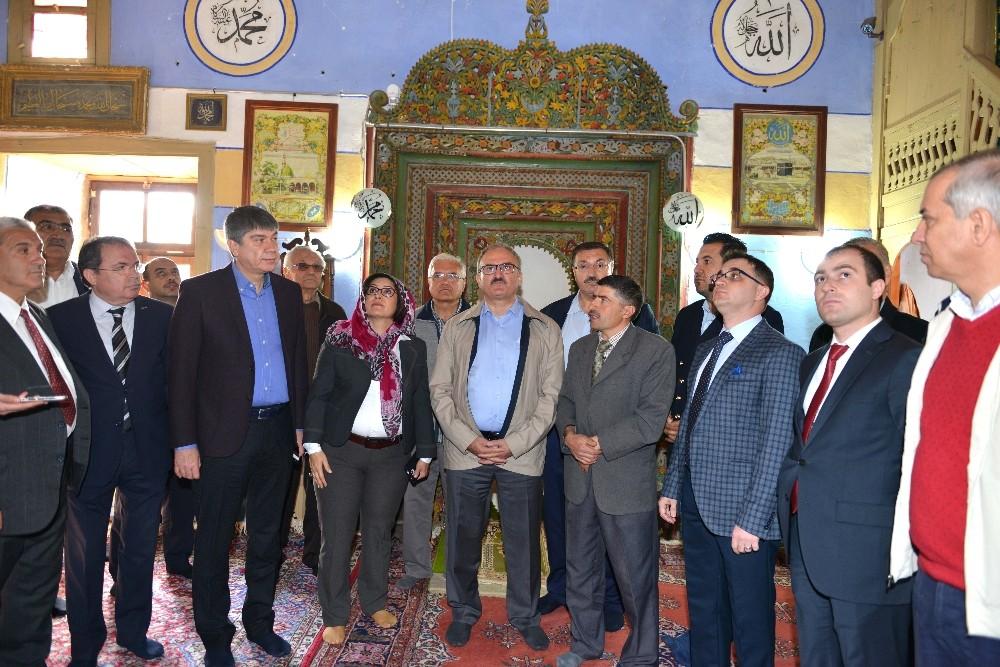 Antalya Yüksek İstişare Kurulu Torosların zirvesinde toplandı