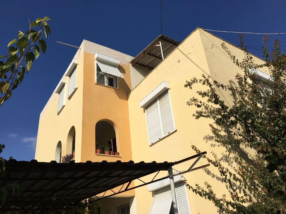 Antalya'da bir evde 3 kişi ölü olarak bulundu