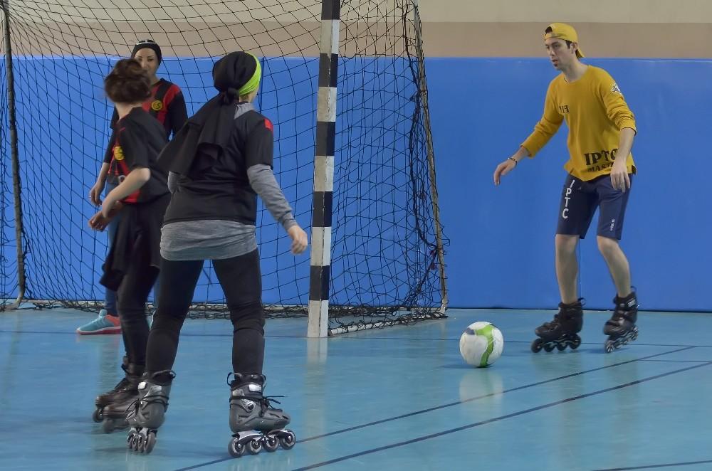 Antalya'da paten futbolu şampiyonası düzenleniyor