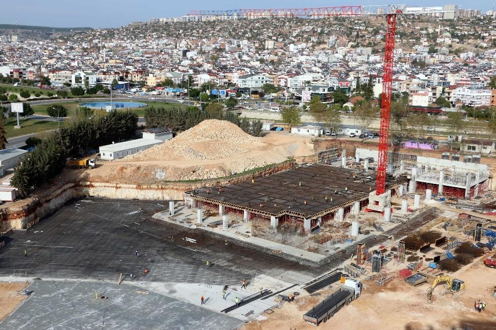 Antalya'nın en büyük camisinde çalışmalar devam ediyor
