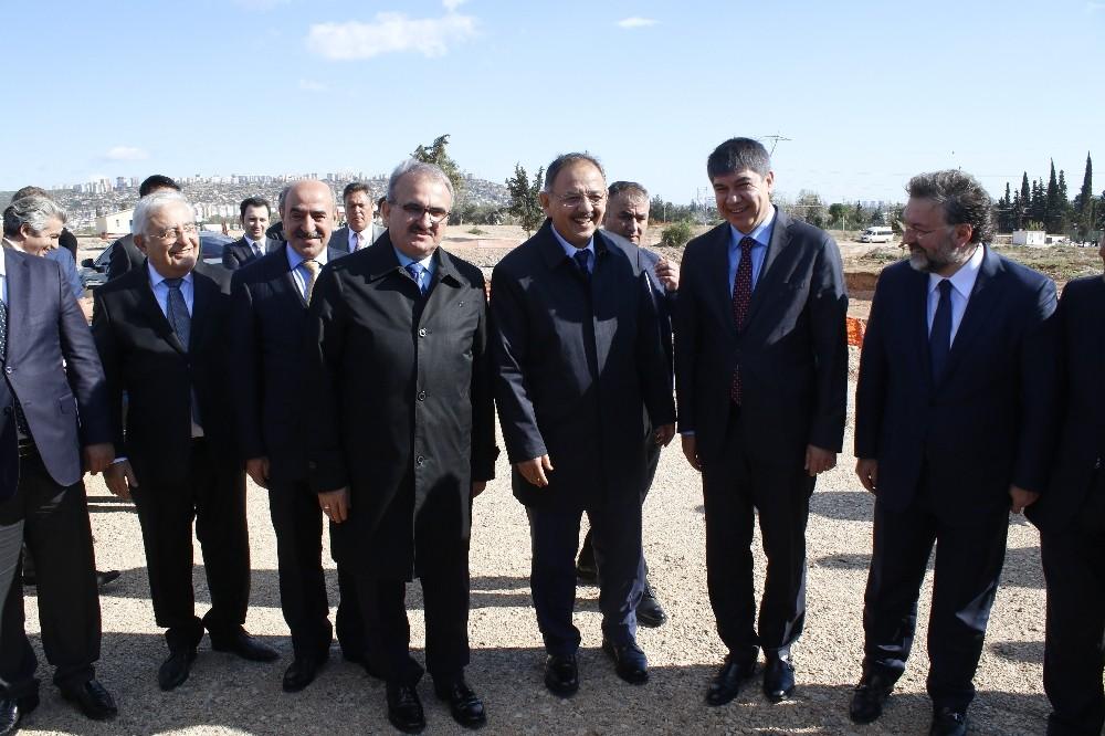 Bakan Özhaseki'den