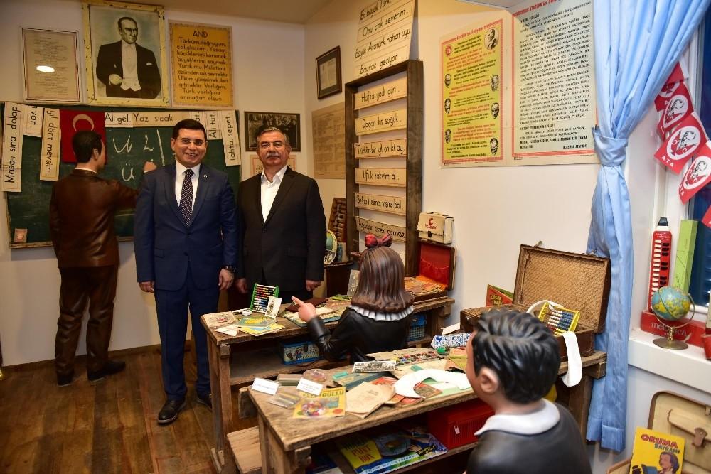 Bakan Yılmaz, Anadolu Oyuncak Müzesi'nde