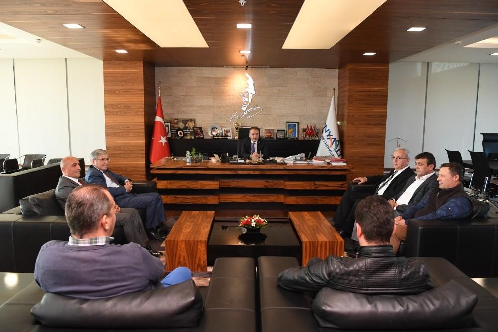 Başkan Böcek, Belediye-İş Sendikasını ağırladı