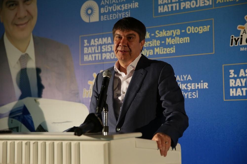 Başkan Türel, 3 mahalleye 3. Etap Raylı Sistem Projesini anlattı