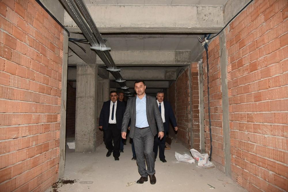 Başkan Yücel, Payallar Anadolu Lisesi inşaatını inceledi