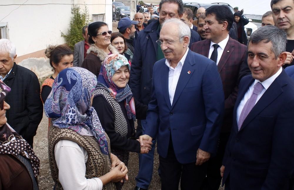 CHP Genel Başkanı Kılıçdaroğlu hortum felaketi yaşanan ilçeleri ziyaret etti