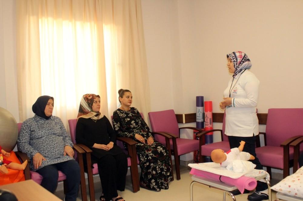 Devlet Hastanesine Gebe Bilgilendirme Sınıfı