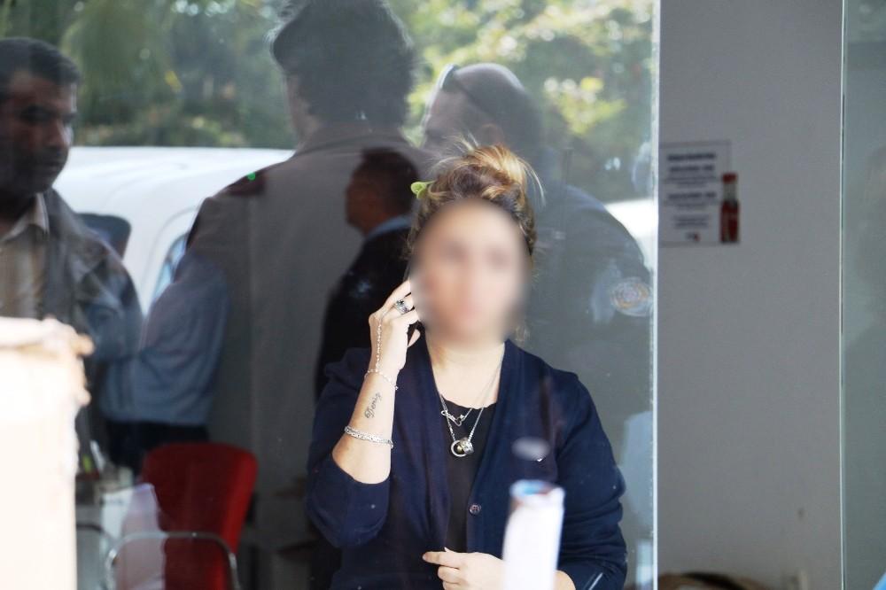 Cep telefonu yerine şişme kadın gelince kargo görevlisini gasp etti
