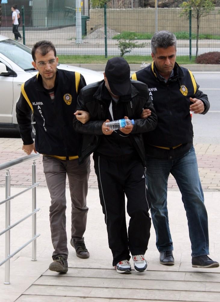 Fuhşa aracılık eden şüpheli yakalanınca polise 1 milyon TL rüşvet teklif etti