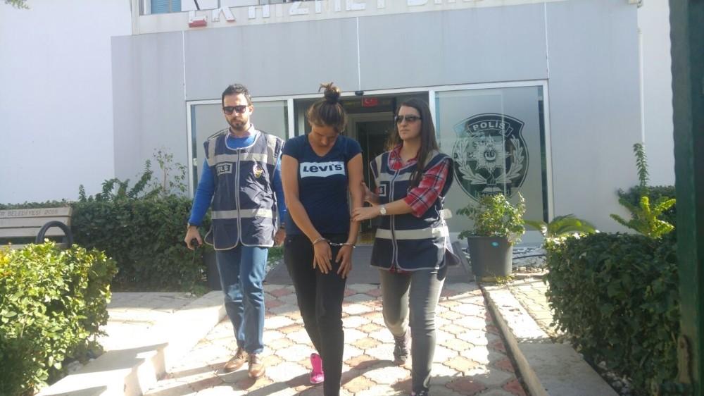 Hırsızlık zanlısı 3 kadın tutuklandı