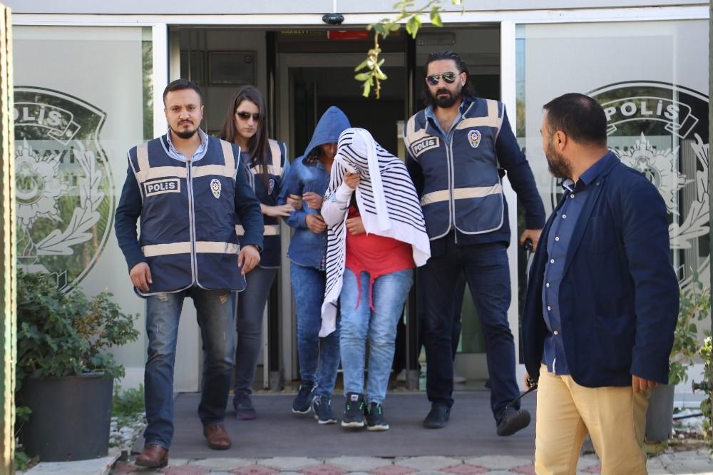 Karnında bebeğiyle evlerden 300 bin lira çaldı